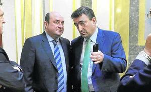 El PNV salva la legislatura a Rajoy a cambio de una subida de todas las pensiones