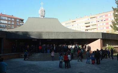 Multitudinario funeral por las dos mujeres asesinadas en Vitoria