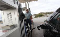 Los combustibles subirán el 4% en Euskadi y en las regiones con los precios más baratos