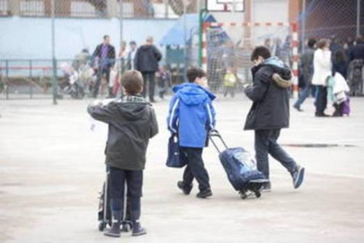 Tres menores golpean a un niño de doce años en pleno centro de Sestao