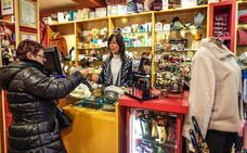 Lekeitio pone en circulación 1.200 bonos de compra, el doble que en Navidad, para reactivar el comercio