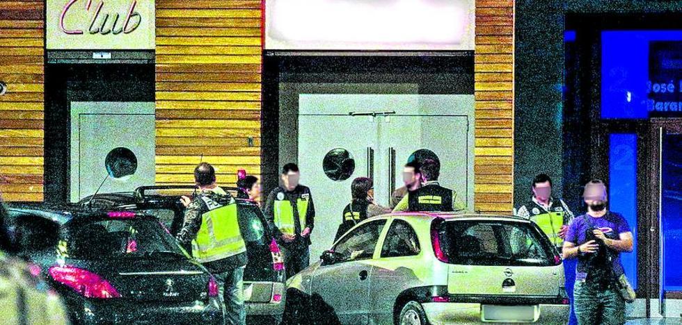 Piden el cierre de un club de Vitoria y 56 años de cárcel para su responsable