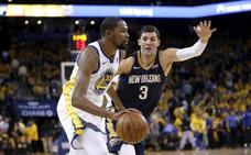 Durant y Warriors comienzan las semifinales con exhibición ante los Pelicans