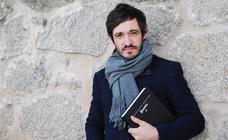 Santiago Velázquez perfila a los grandes escritores malditos en 'Soñaré en tus manos'