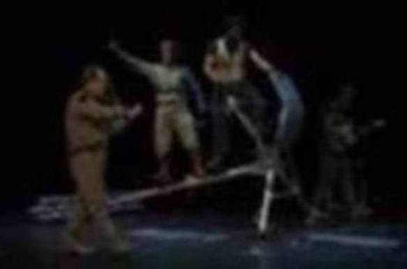 Ulises desembarca en Amorebieta de la mano de Gorakada y Fran Lasuen