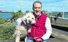 La mascota de... Andoni Goikoetxea: «En la playa se vuelve sordo y no hace ni caso»