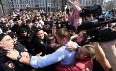 La policía rusa detiene al opositor Navalni y a más de 1.000 manifestantes