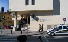 Un hombre mata a puñaladas a su madre tras descuartizar a sus dos gatos en Málaga