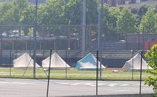 Comienzan a instalar el camping provisional de El Fango para los aficionados al rugby