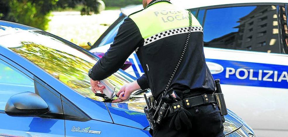 El comité pide el cese del comisario y la tensión regresa a la Policía Local de Vitoria