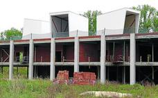 Miranda reclama a la Junta que concrete qué hará con el fallido Hangar de Arte