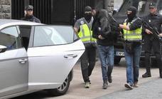 El yihadista detenido en Abadiño maltrataba a su pareja para convertirla