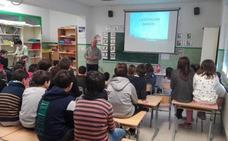 Lemoa imparte un taller para que los niños aprendan el trabajo de los agricultores