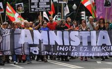 Solo seis presos de ETA apoyan a los disidentes de Sortu