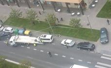 Gran despliegue de la Guardia Civil en Salburua para embargar una furgoneta a un acusado por terrorismo