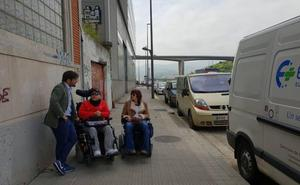 Erandio elimina un punto negro para las personas con movilidad reducida