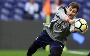 Casillas seguirá otra temporada en el Oporto