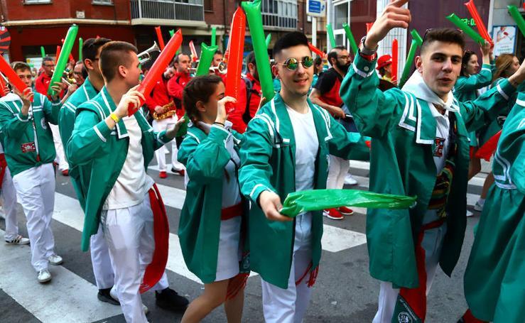 Las cuadrillas la lían en el desfile