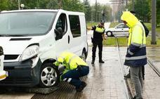 Nuevo accidente entre el tranvía y una furgoneta de reparto en Vitoria