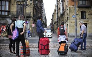 Bilbao planta cara a Competencia y mantiene las limitaciones a los pisos turísticos