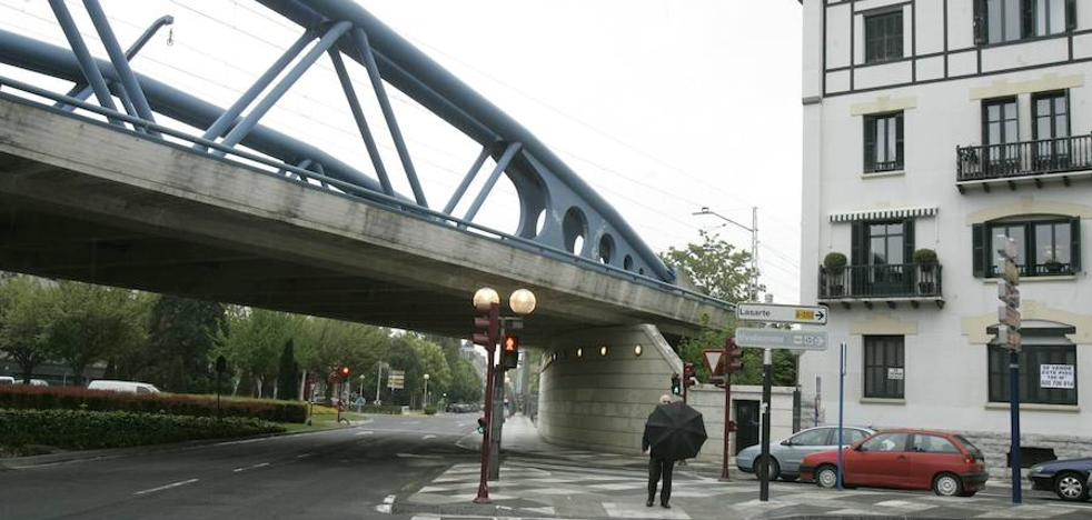 Comerón recibe en Madrid «el aval» de Fomento a su proyecto de soterrar el tráfico de vehículos