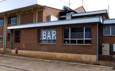 Desestimada la solicitud contra la explotación de los bares del polideportivo
