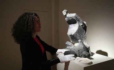 Casi 30 esculturas de Oteiza a la venta