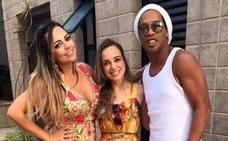Ronaldinho se casará con sus dos novias este verano