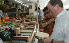 La plaza Celedones de Oro acoge la Feria de Libreros Alaveses hasta el 3 de junio