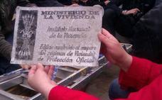 Galdakao retira 61 placas con simbología franquista