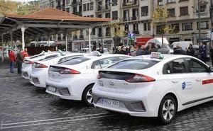 Alfonso Gil: «Frente al intrusismo, el sector del taxi va a luchar con más calidad»