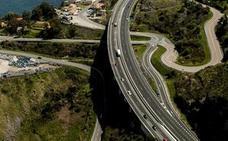 Fomento pisa el acelerador para iniciar el tercer carril de la A-8 entre Castro y Solares
