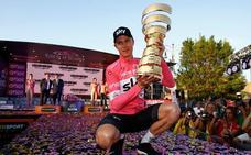 Froome consigue el Giro a contracorriente