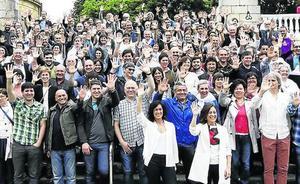 Los alcaldes de las capitales vascas se suman a la cadena por el derecho a decidir