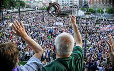 Los pensionistas convierten su marcha en un clamor contra el Gobierno de Rajoy