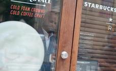 Starbucks cierra todos sus establecimientos en EE UU para confrontar su sesgo racial