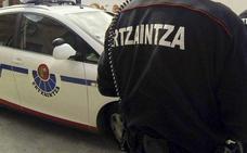 Detenidos dos jóvenes por robar en un caserío de Urduliz