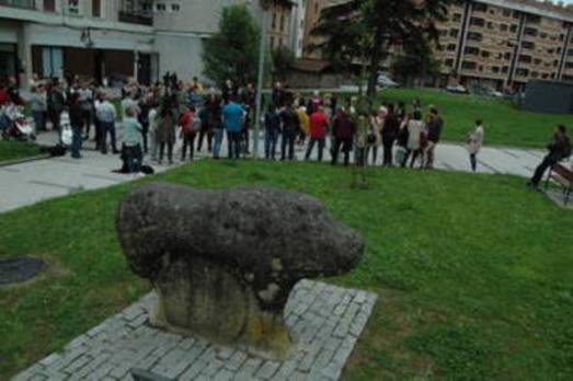 Residentes en la zona de Mikeldi crean una plataforma contra un parking disuasorio