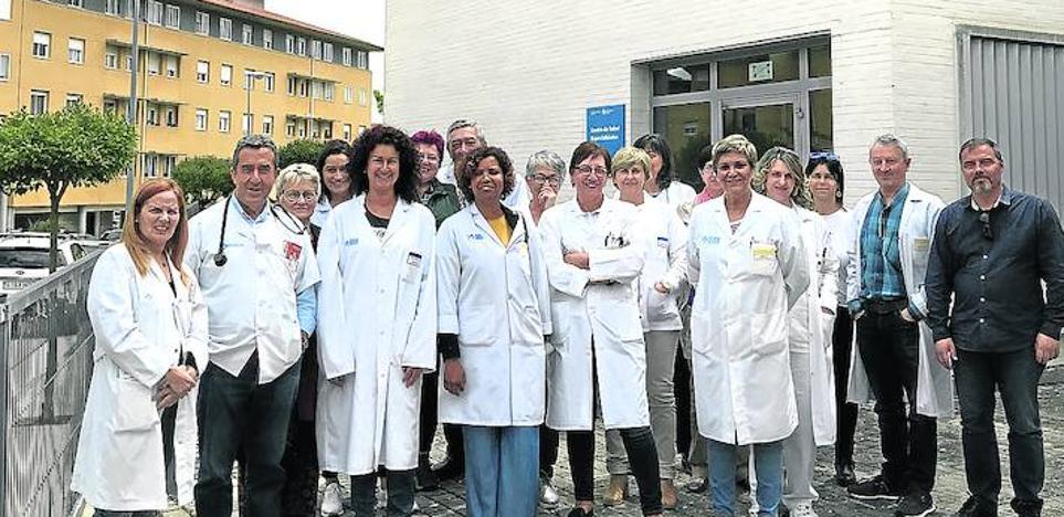 El personal médico del Centro de Salud se planta ante el calendario estival