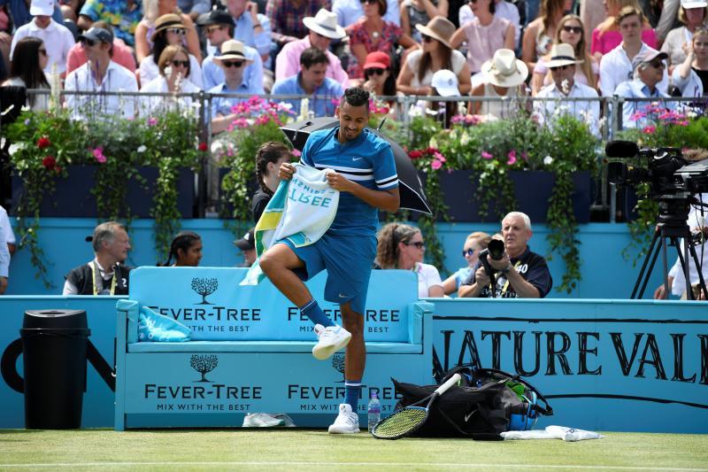 Multaron a un tenista que simuló una masturbación durante un partido