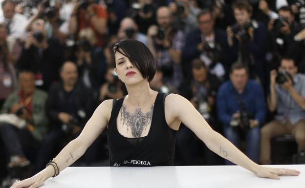 CNN retira capítulos de 'Parts Unknown' con Asia Argento