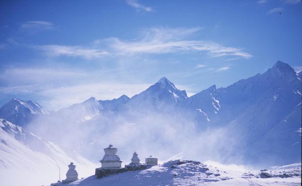 9 alpinistas mueren en medio de una tormenta en Nepal