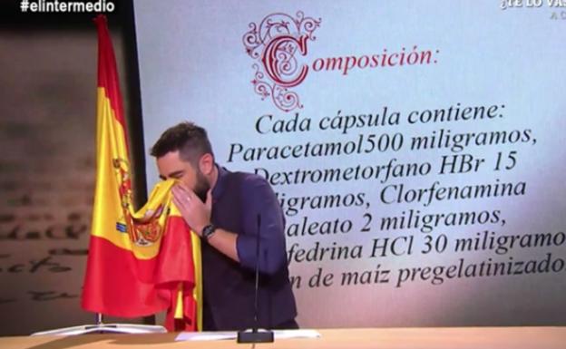 Imputan a Dani Mateo por un delito de ofensas y de odio tras sonarse los mocos con la bandera de España