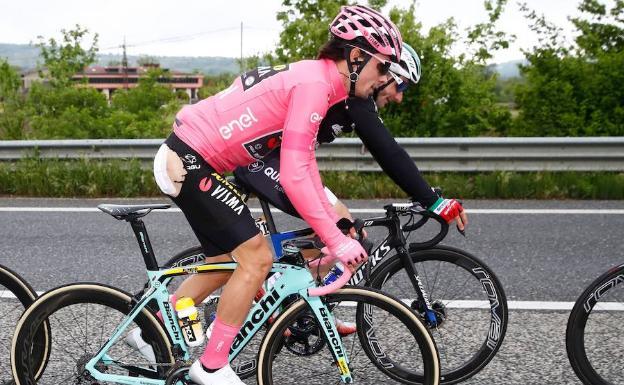 Pello Bilbao se quedó con la séptima etapa del Giro de Italia