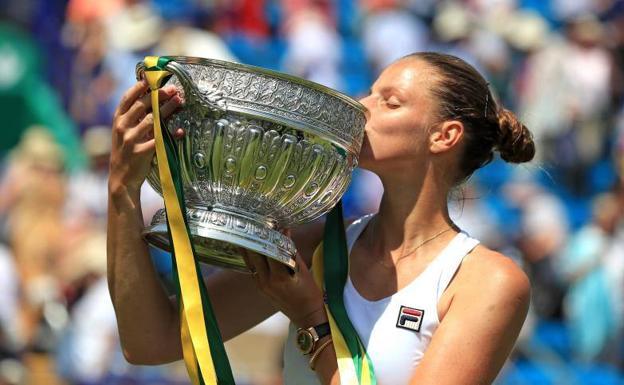 Karolina Pliskova se corona por segunda vez en Eastbourne