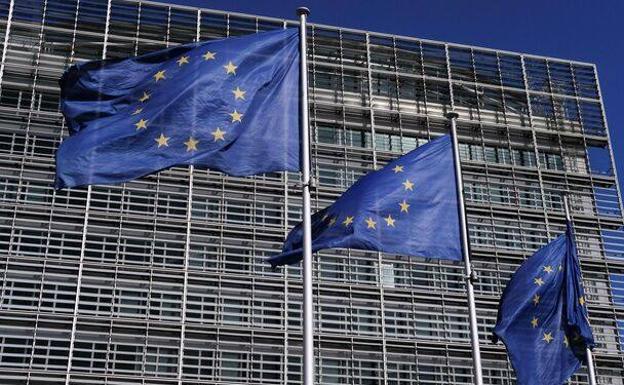 Unión Europea acusa a Amazon de violar competencia