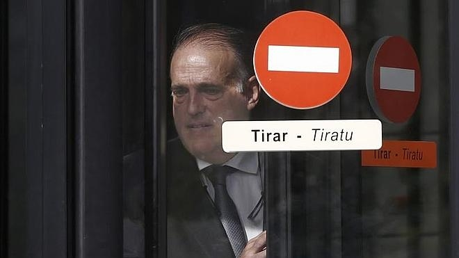 Tebas ve «difícil» que Osasuna no sea imputado