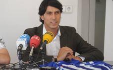 El director deportivo del Alavés está «preocupado porque aún no tengamos delanteros»