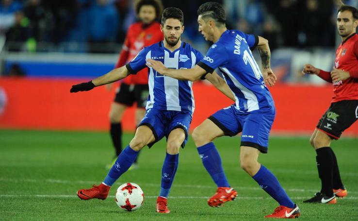 Fotos del partido de Copa entre el Alavés y el Formentera