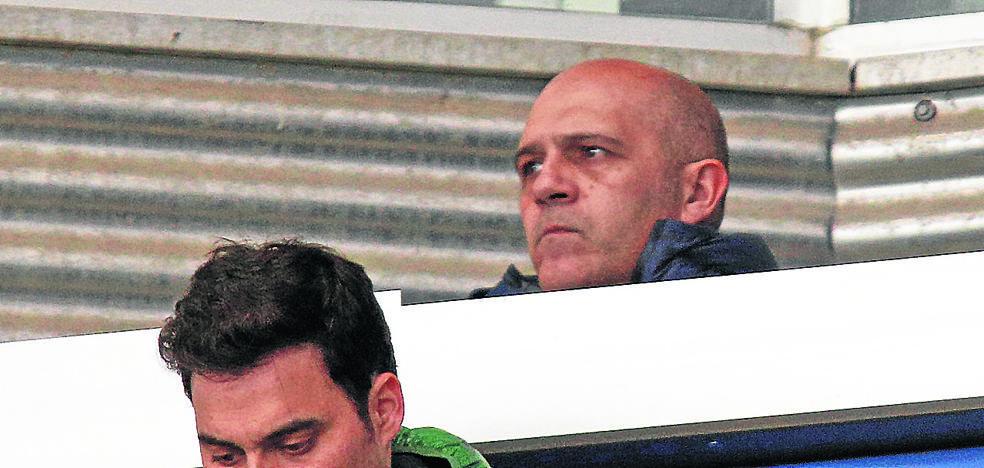 El exalbiazul Karmona, en la zona de prensa como ojeador del Athletic